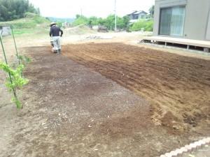 東松山市 芝地土壌改良