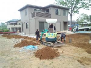 東松山市 境界ブロック工事 掘削状況1