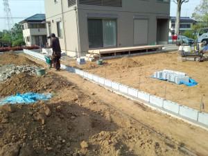 東松山境界ブロック工事 ブロック積み2