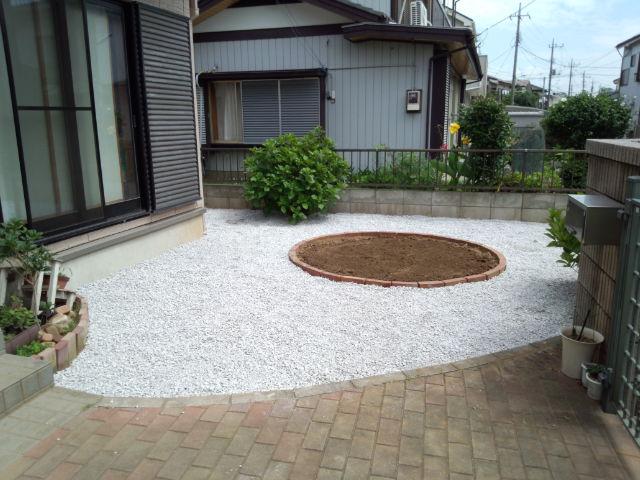 蓮田市石灰砕石敷き2