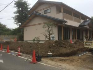 東松山市の造園外構工事 ブロック土留基礎コンクリート打設