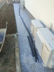 防草シート、エッジング、石灰砕石敷き