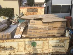 東松山市の物置工事完了、東松山市の伐採根薬剤注入完了、東松山市管理工事芝生草取り完了!